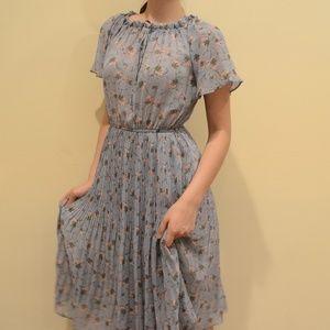 Dresses & Skirts - Vintage Floral Midi Dress